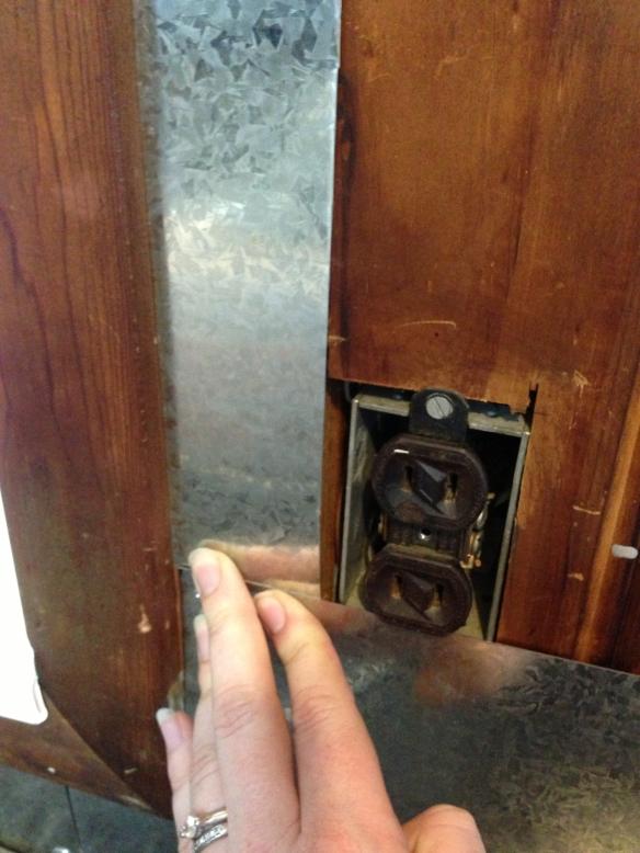 workbench backsplash fitting metal