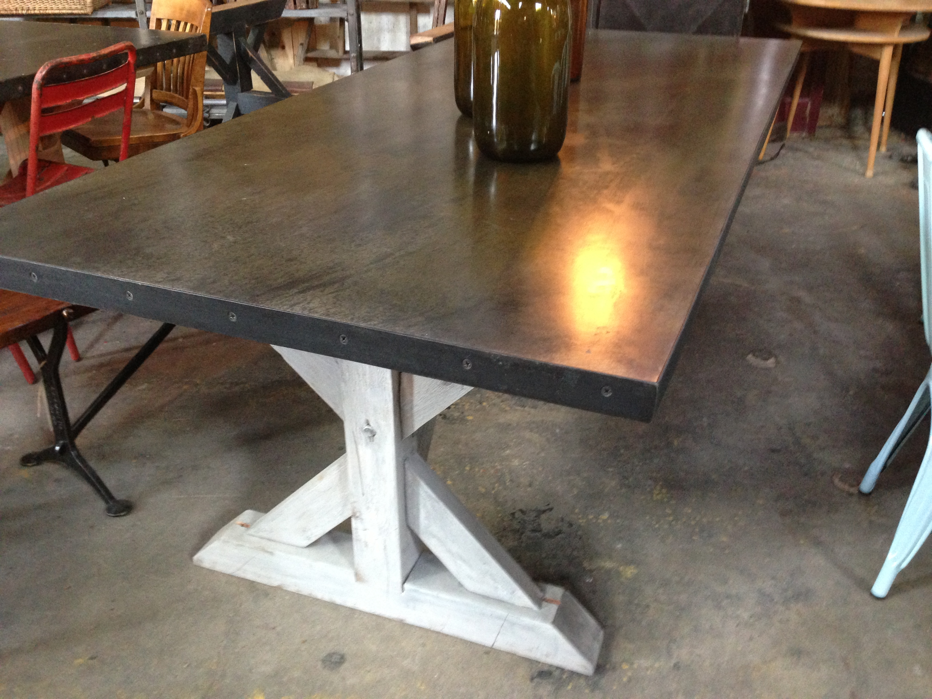 farmhouse table with concrete top | littlehousesbigdogs