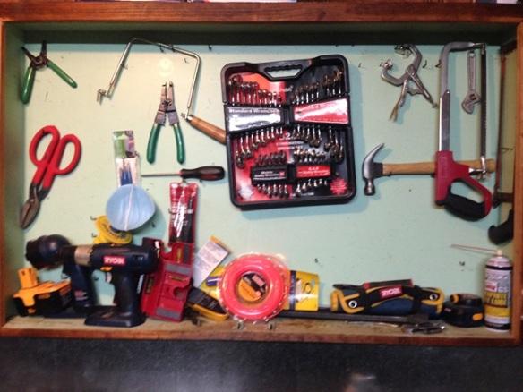 organize tool cabinet diy (40)