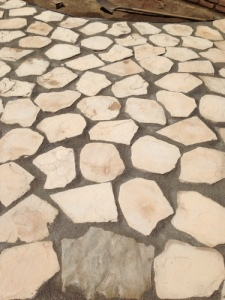 large-joint-gator-dust-with-canyon-oak-faux-flagstone-patio.jpg