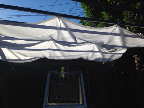 using-ikea-dyning-for-pergola-.jpg